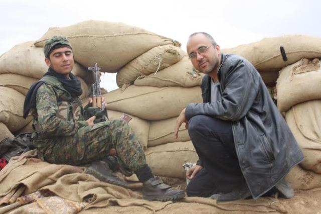 with ypg fighter